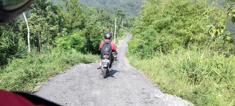 Jalan menuju Desa Kedunggong Kec. Sadang dengan pemandangan alam indah disekitarnya / Foto: Aisyah