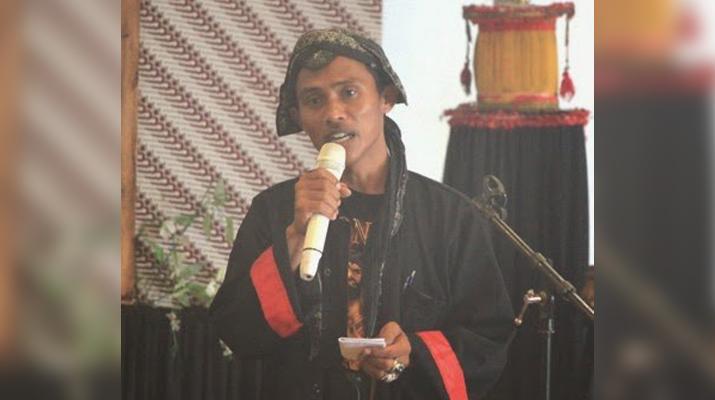 Kepala Desa Bringinan, Kecamatan Jambon, Ponorogo, Barno dalam sebuah acara. (Foto : Muh Nurcholis)