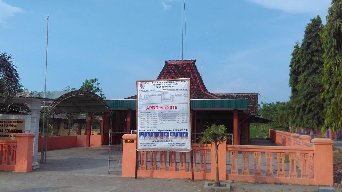 Lokasi : Depan Balai Desa Sedahkidul Kecamatan Purwosari Kabupaten Bojonegoro