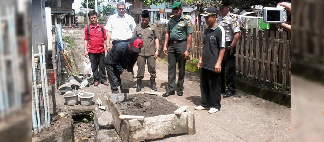 Persiapan Peletakan Batu Pertama Dana Desa / Foto : Agum