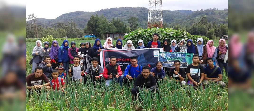 Mahasiswa Universitas Islam Negeri Makassar atau UIN Alauddin Makassar adakan kegiatan English Camp di Desa Kanreapia pada tanggal 17 – 18 Desember 2016