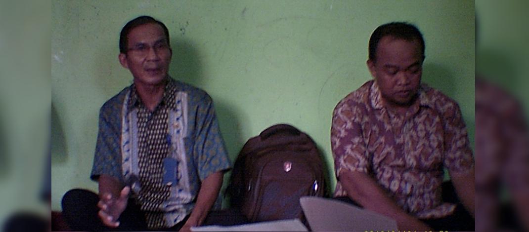 Arahan Petugas daam sebuah pertemuan Gapoktan (foto : Darojat)