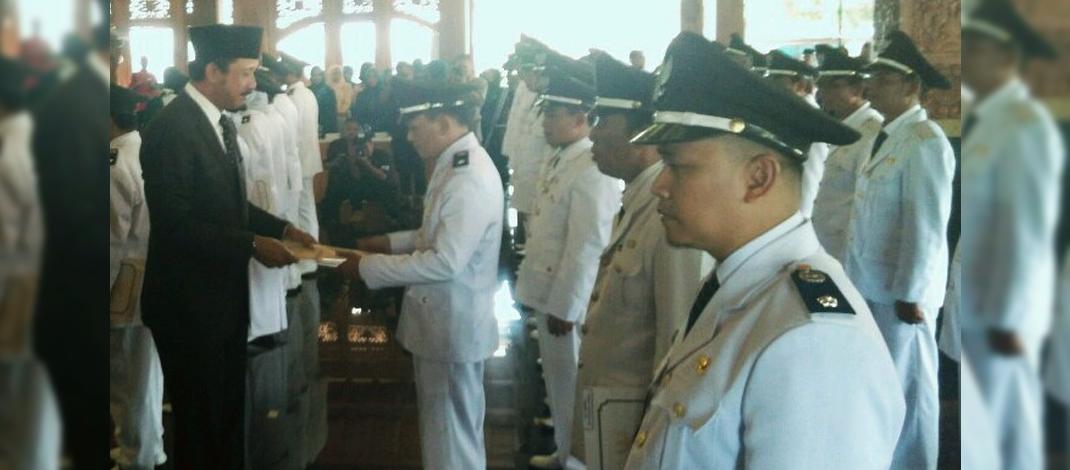 Bupati Ponorogo, Ipong Muchlissoni melantik 29 Kepala Desa yang baru. (foto : Muh Nurcholis)
