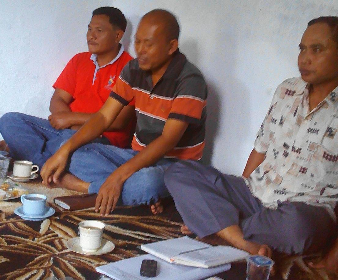 Ketua Kelompok Kontak Tani Nelayan Andalan (KTNA) Kabupaten Tegal, Abdul Basyir,SE saat memberikan pengarahan pada pertemuan KTNA di Desa Kedungsukun, Adiwerna, Kab.Tegal, Minggu (15/1/2017).