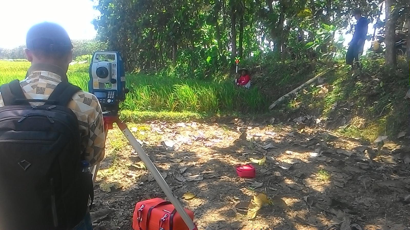 Pelaksanaan pengukuran tanah